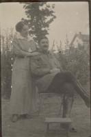Maurice Brissot en permission durant la guerre de 1914 et son épouse Jeanne Pelerbe