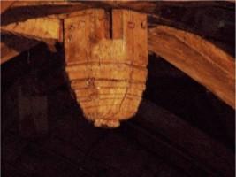 Cul-de-lampe, peint & Cul-de-lampe combles de l'église de Saint-Martin-sur-Oreuse