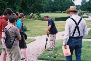 Demonstration d'outil de découpe de pelouse