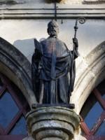 Saint Memmie au dessus de l'entrée