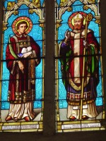 Eglise de Saint Martin: vitraux St Etienne et St Martin